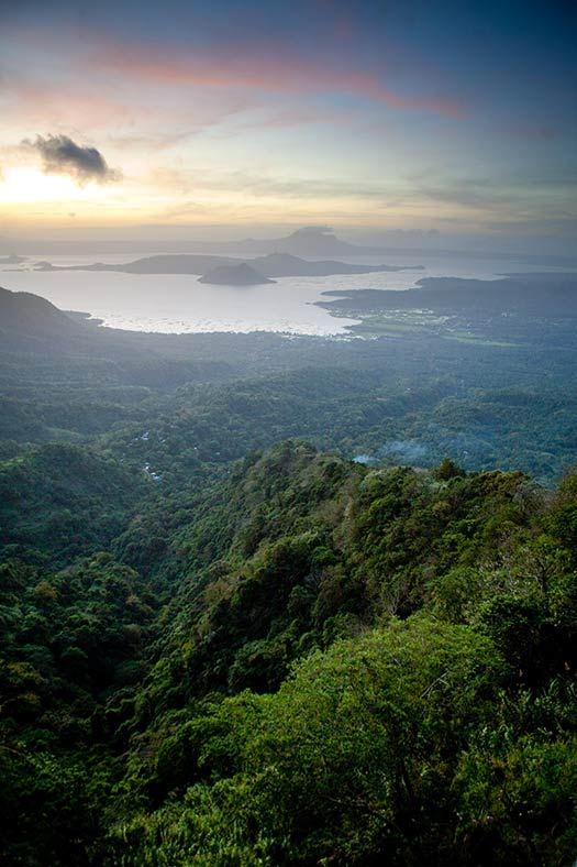 Lake Taal (Image: kennymatic)