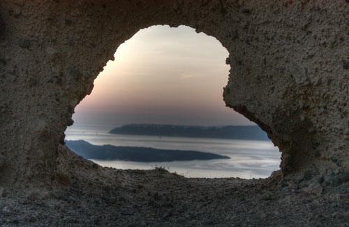 Santorini, Greece (Image: Klearchos Kapoutsis)