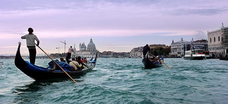 A gondola in Venice, Italy (Image: bratha)