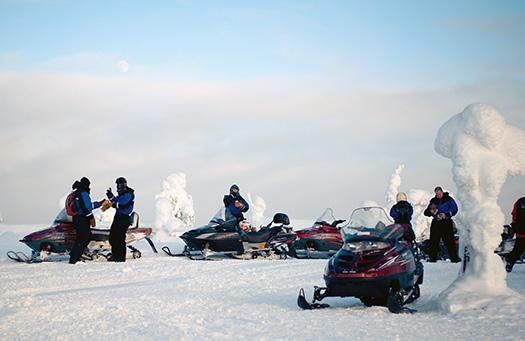 Snowmobile (Image: rayoplateado)