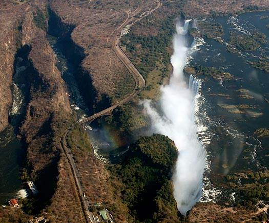 Victoria Falls, Zambia and Zimbabwe (Image: jurvetson)