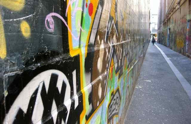 Laneways are often narrow and fairly dark (Image: nAok0)