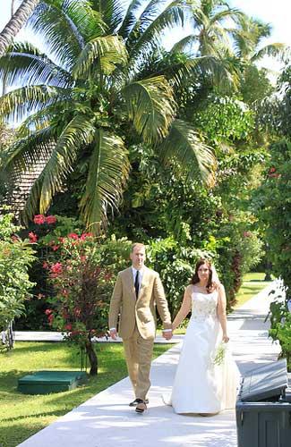 A garden wedding in Antigua (Image: Alicia0928)