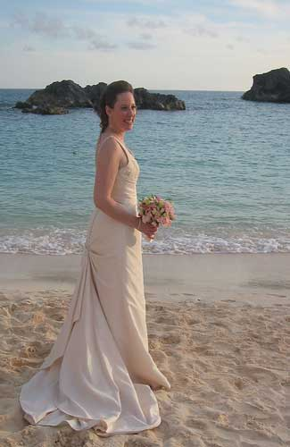 A bride in Bermuda (Image: tracey2bits used under a Creative Commons Attribution-ShareAlike license)