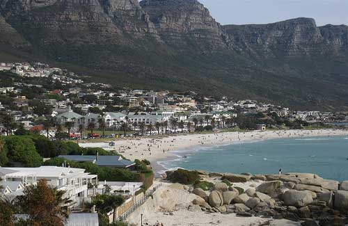 Camps Bay (Image: nickgraywfu used under a Creative Commons Attribution-ShareAlike license)