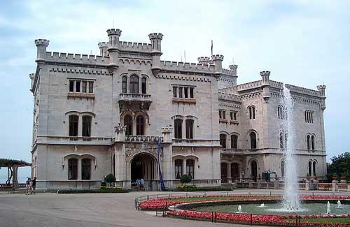 Miramare Castle (Image: rozsagab)