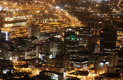 Cape Town by night (Image: Derek Keats used under a Creative Commons Attribution-ShareAlike license)