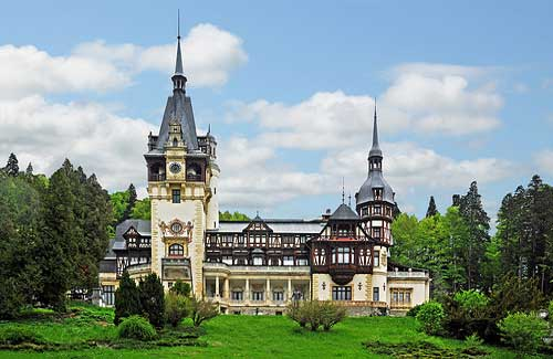Peles Castle (Image: archer10 (Dennis) used under a Creative Commons Attribution-ShareAlike license)