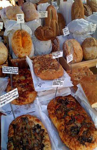 Bread at the Grand Lake Farmer's Market (Image: yummyporky)