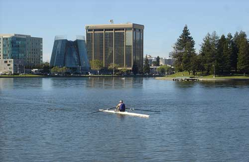 Lake Merritt (Image: chucka_nc used under a Creative Commons Attribution-ShareAlike license)