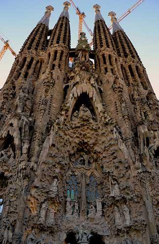 Gaudi's Sagrada Familia in Barcelona (Image: pcambraf)