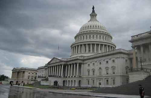 U.S. Capitol Building (Image: cometstarmoon)