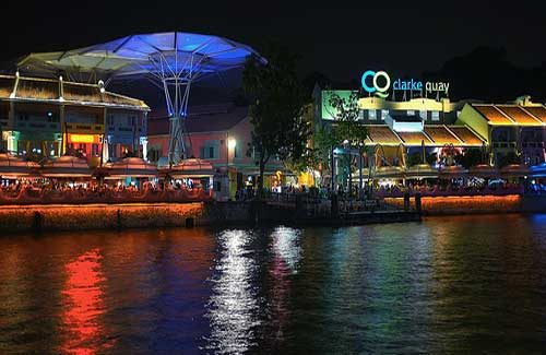 Clarke Quay (Image: beijinglaoda used under a Creative Commons Attribution-ShareAlike license)