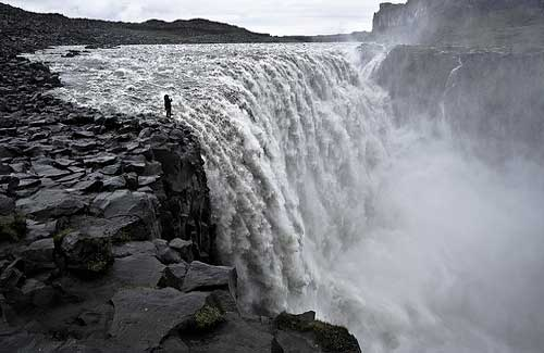 Dettifoss Falls, Iceland (Image: batintherain used under a Creative Commons Attribution-ShareAlike license)