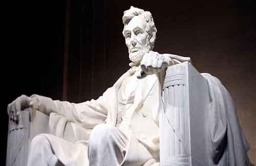 Lincoln Memorial (Image: sphilp1225)