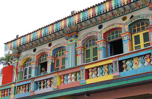 Architecture in Little India (Image: DigitalNomadMag used under a Creative Commons Attribution-ShareAlike license)