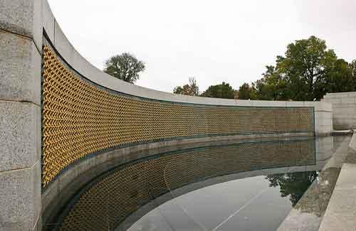 World War II Memorial (Image: wwarby)