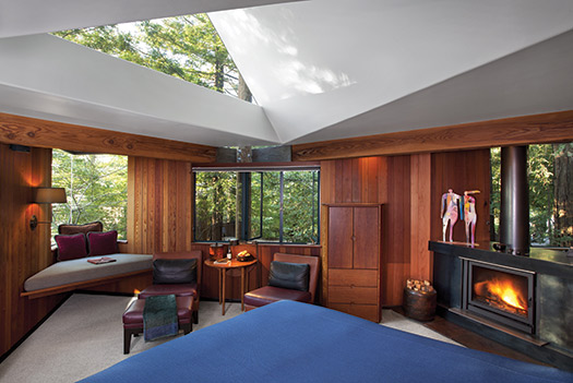 Post-Ranch-Inn-3_Top-10-treehouse-stays-in-the-US