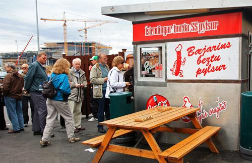 A Baejarins Beztu stand in Reykjavik (Image: aschaf)