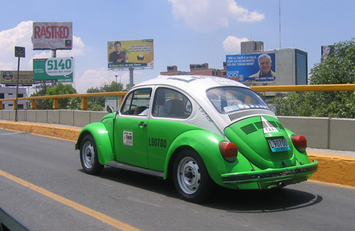 VW Taxi in Mexico (Image: sfllaw used under a Creative Commons Attribution-ShareAlike license)