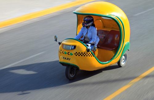 Coco Taxi in Cuba (Image: MattJP)