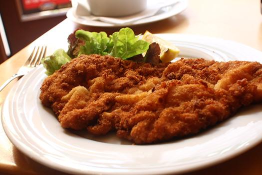 Wiener schnitzel | Vienna, Austria (Image: Jen SFO-BCN)