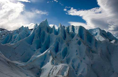 A glacier up-close (Image: k1llYRid0ls used under a Creative Commons Attribution-ShareAlike license)