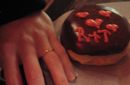 A wedding at Voodoo Doughnut (Image: wanderingone)