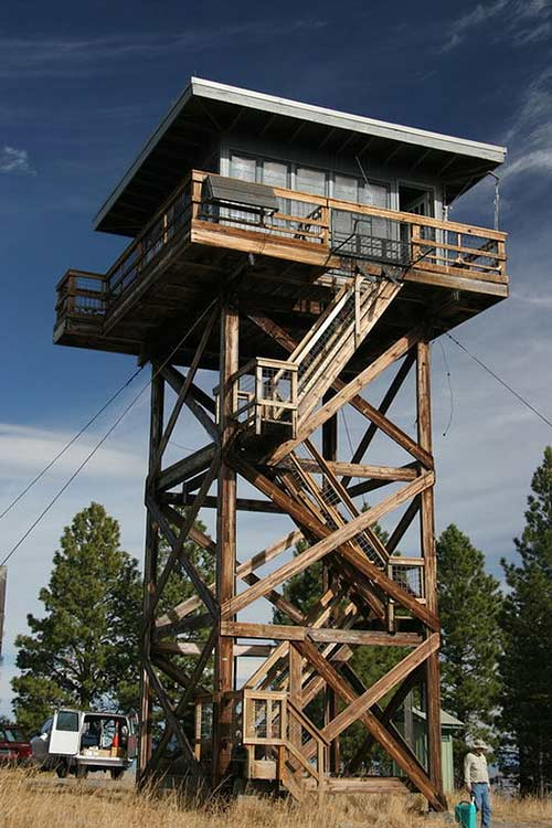 Fivemile Butte Lookout (Image: Courtesy of US Forest Service)