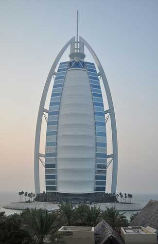Burj al Arab (Image: Jason Bagley used under a Creative Commons Attribution-ShareAlike license)