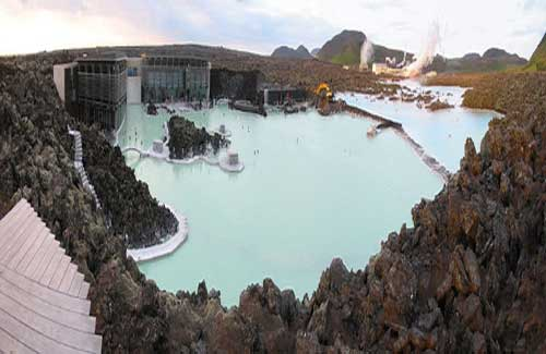Thermal pool in Iceland (Image: ScubaBeer used under a Creative Commons Attribution-ShareAlike license)