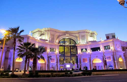 The Forum Shops (Image: daryl_mitchell used under a Creative Commons Attribution-ShareAlike license)