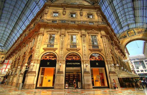 Louis Vuitton in Milan (Image: jeff kung used under a Creative Commons Attribution-ShareAlike license)