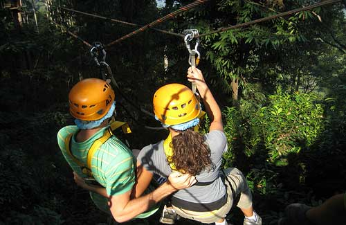 Ziplining in Thailand (Image: jeminichronicles used under a Creative Commons Attribution-ShareAlike license)