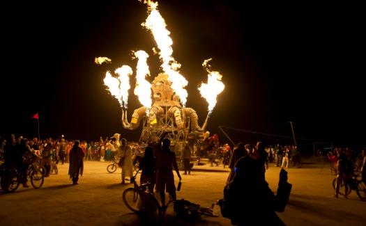 Hawaii Savvy, El Pulpo Mechanico - Burning Man 2012 (CC BY 2.0)