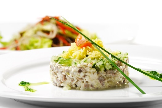 Legume Supper Club © Boris Ryzhkov/iStock/Thinkstock (http://www.thinkstockphotos.co.uk/image/stock-photo-meat-salad-with-vegetable/101192431)