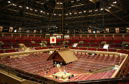 A sumo arena in Tokyo (Image: kadluba used under a Creative Commons Attribution-ShareAlike license)