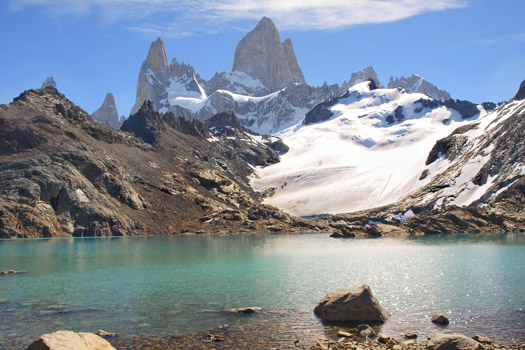 Laguna de los Tres © jakobradlgruber/iStock/Thinkstock (http://www.thinkstockphotos.co.uk/image/stock-photo-mountain-landscape-with-mt-fitz-roy-in/483344961)