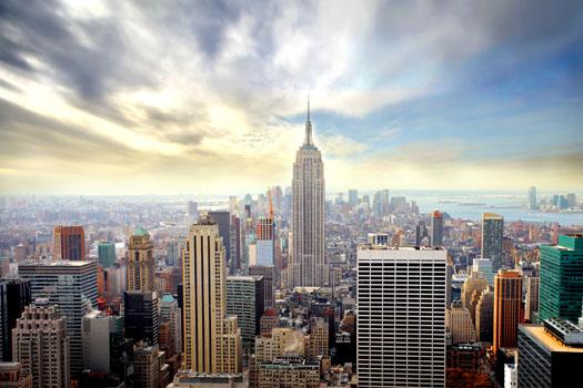 New York City © Michele Piacquadio/iStock/Thinkstock (http://www.thinkstockphotos.co.uk/image/stock-photo-manhattan/101476540)