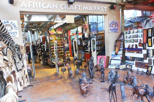 Rosebank African Craft Market © Michael Coghlan/Flickr (www.flickr.com/photos/mikecogh/5980710919)