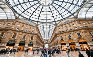 Top 10 extreme shopping spots around the world
