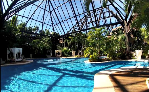 Resort pool at Grand Mayan (Image: Brittany Dietz)