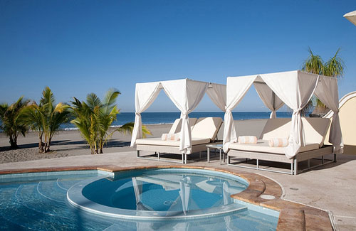 Couples getaways for long holiday weekends