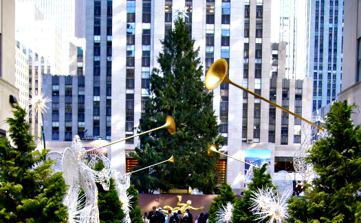 Rockefeller Center Christmas tree (Image: James Manners used under a Creative Commons Attribution-ShareAlike license)