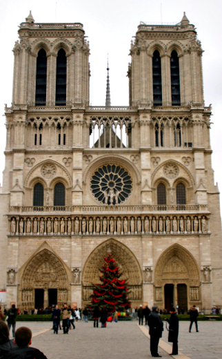 Notre Dame at Christmastime (Image: Brian Jeffery Beggerly)