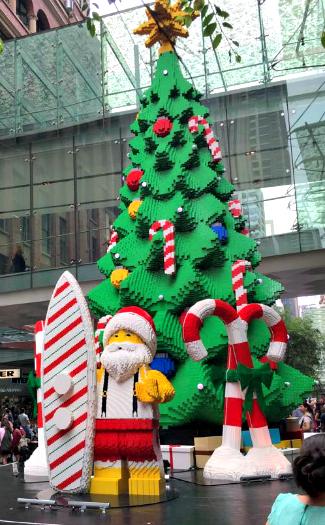 Lego Christmas tree at Pitt Street Mall (Image: Pitt Street Mall)