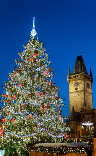 Christmas in Prague (Image: Huangjiahui used under a Creative Commons Attribution-ShareAlike license)