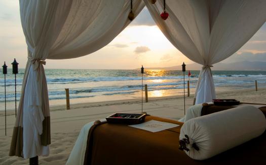 Grand Velas Puerto Vallarta, Grand Velas Nayarit Beach Resort via Flickr (CC By 2.0)