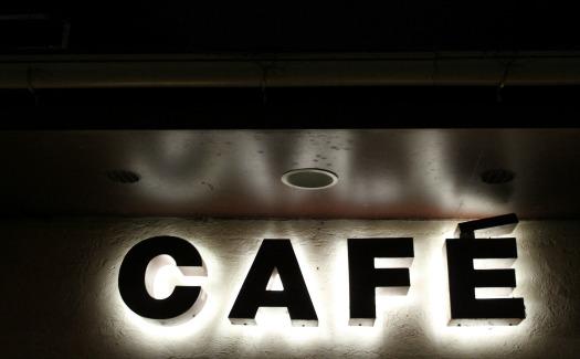 Bennett2474, Cafe (CC BY-SA 2.0)