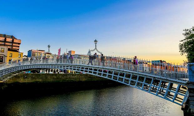 Save on airfare to Dublin, Ireland this summer